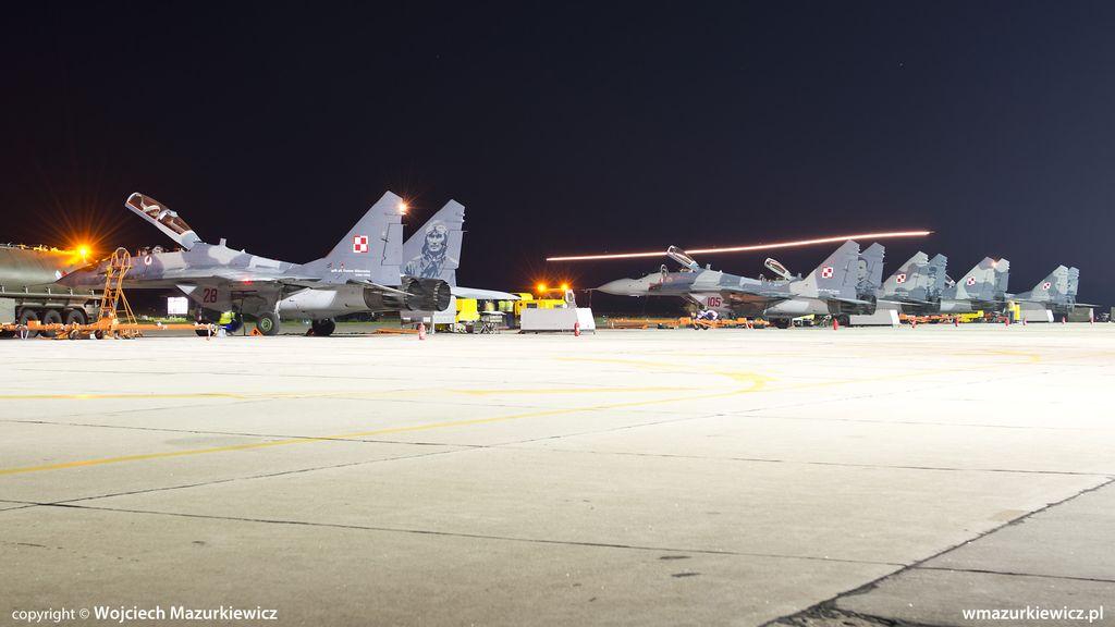 Radom MiG-29-night-ops_7