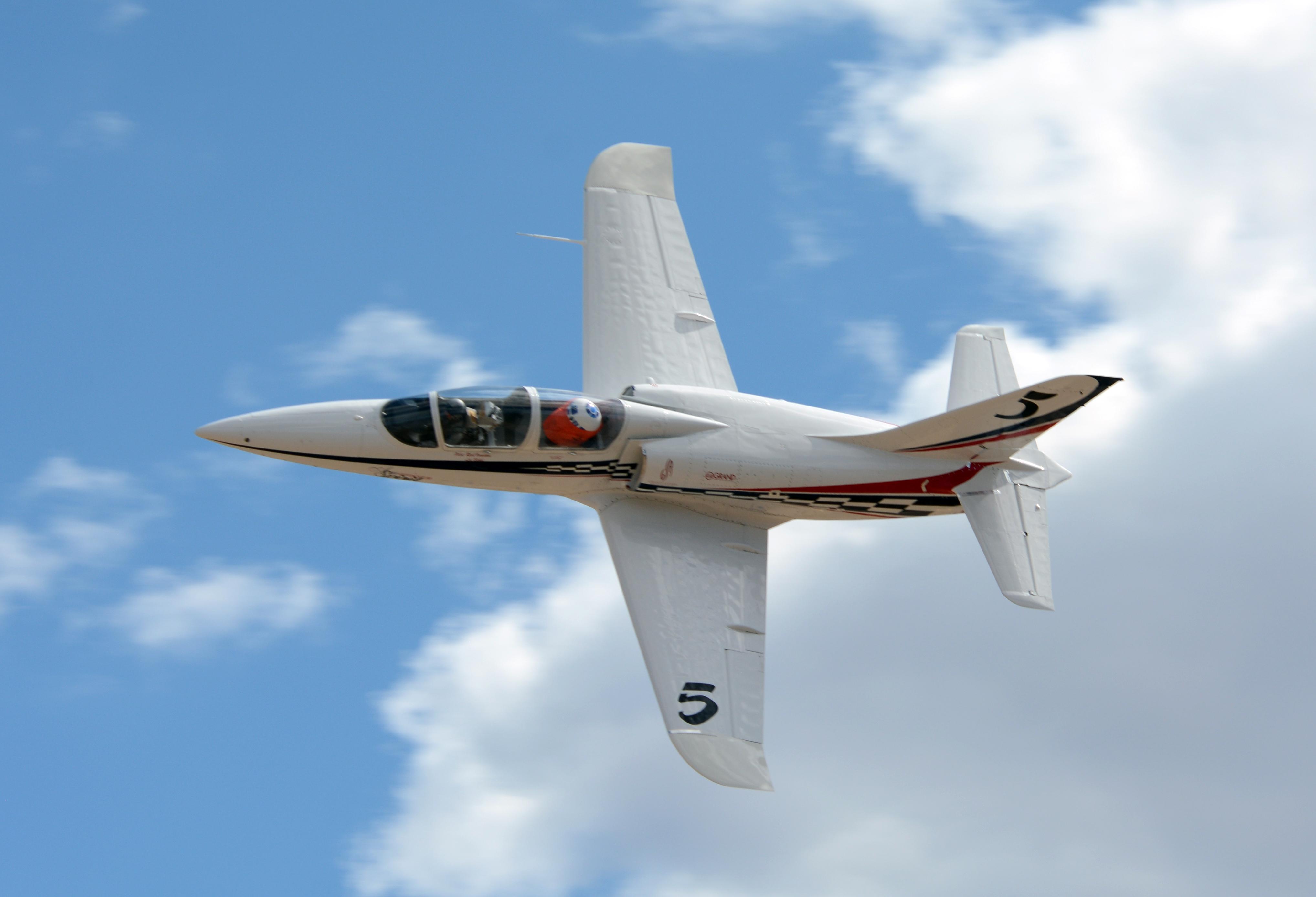 25_L-39_Albatros_N139BJ_American_Spirit_Reno_Air_Races_2014_photo_D_Ramey_Logan